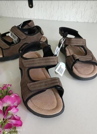 Классние фирменние сандали, немецкого бренда footnotes