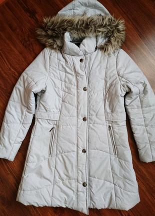 Светло-серая, длинная, теплая куртка, пуховик с мехом, размер м