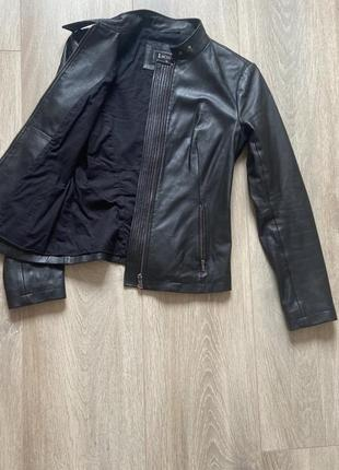 Кожаная куртка косуха lacoste
