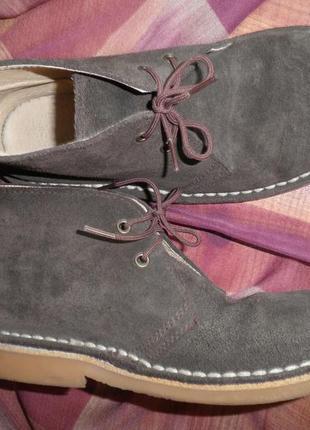 Удобные мягкие ботиночки натуральная замша внутри кожа прошитые размер 30 испания