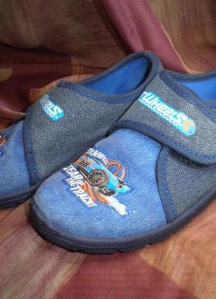 Удобные мягкие кеды туфли тапочки текстильные hot wheels matel качество размер 30