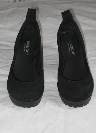 Туфли из натуральной замши на тракторной подошве bianco