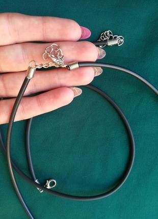 Каучук шнурок, 45см,фурнитура под серебро, медицинское золото, родий