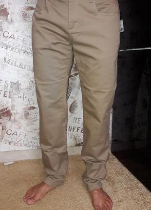 Розпродаж чоловічих штанів ostin