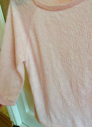 Нежно розовый легкий свитерок