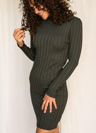 Короткое платье-водолазка трикотаж лапша