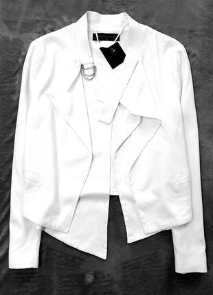 Zara woman жакет пиджак легкая куртка косуха деми весна белая m l