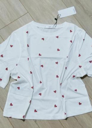 Фирменная футболка манго в принт сердца