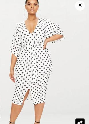 Новое платье английского бренда prettylittlething