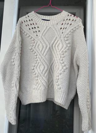Молочный свитер от бренда dilvin