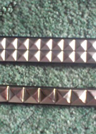 Пояс из кожзама с металлическими украшениями