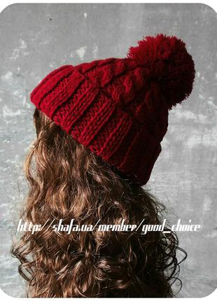 Хлопковая шапка с отворотом/с помпоном/с косами тёмно-красного цвета