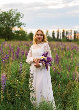 Шикарное свадебное платье с кружевом и шифоновой юбкой