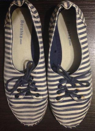 Классные кеды на шнурках bershka!