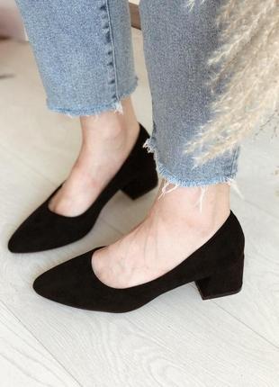 Стильные замшевые туфли на устойчивом каблуке, хит сезона, туфли, туфельки