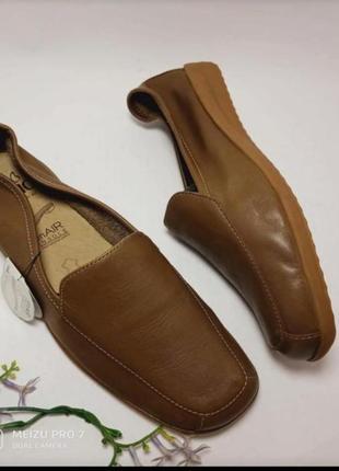 Кожание удобние туфли балетки от бренда caprice, 38p