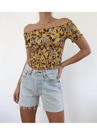 Топ топик футболка на резинках на плечи с открытыми плечами в цветок monki