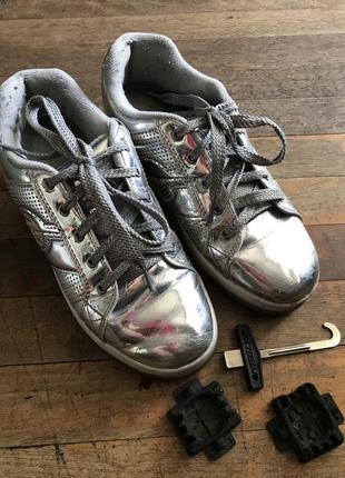Роликовые серебристые кроссовки heelys