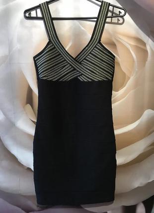 Платье резинка по фигуре