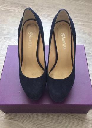 Замшевые туфли на шпильке sharman