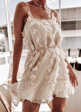 Нежное шифоновое короткое платье - майка на бретелях с оборками