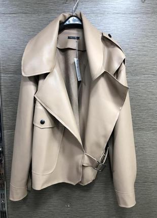 Курточка из экокожи