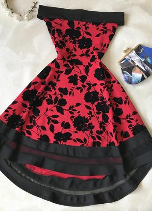 Нарядное красное платье миди quiz открытые плечи