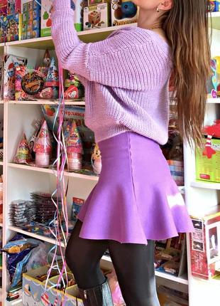 Фиолетовая юбка машинной вязки