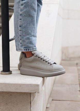 Новинка женские кроссовки alexander mcqueen grey matte