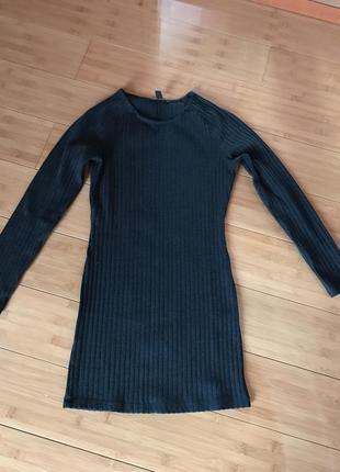 Приколтное базовое платье
