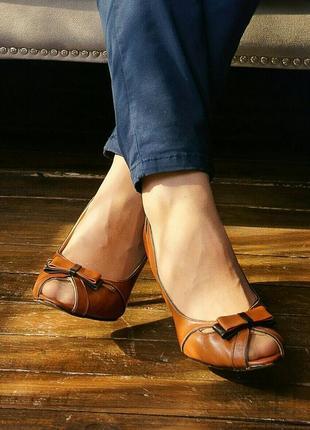 Кожанные туфли 43 размера
