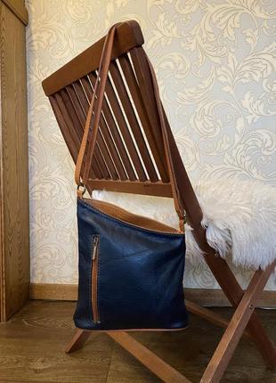 Кожаная сумка кроссбоди vera pelle.