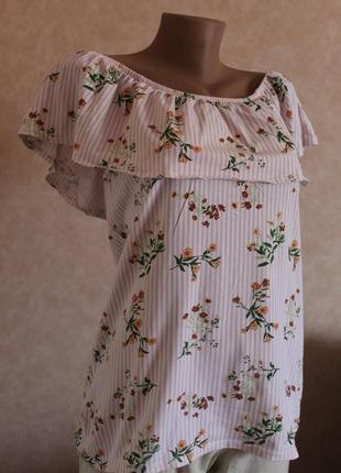 Качественная блуза, открытые плечи..майка. нарядная