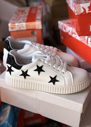 Стильные кроссовки, криперы, кеды белого цвета в звезды