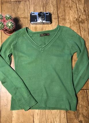 Зелёный пуловер с v-образным вырезом от zara, размер s