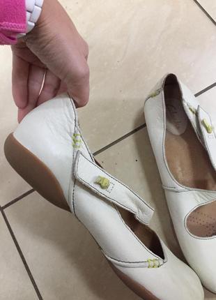 Мягкие удобные кожаные туфли мокасины clarks