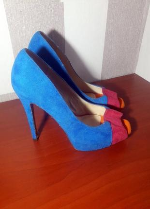 Шикарные туфли с внутренней кожаной отделкой bata