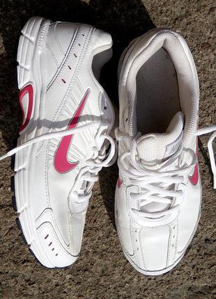 Nike running беговые кроссовки оригинал р.40 кожа