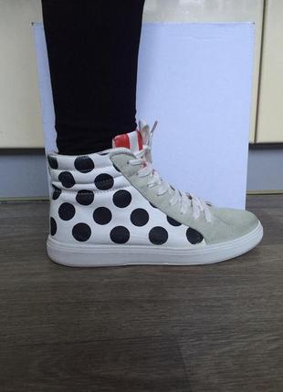 Жіночі шкіряні кросівки, черевичкі італійського бренду vera pelle р 37.