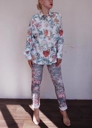 Шикарные джинсы в цветочный принт