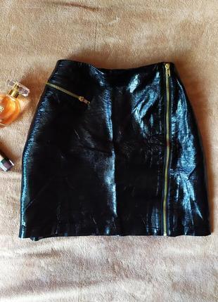 Качественная лаковая мини юбка трапеция