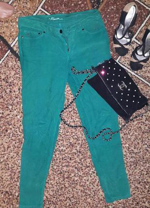 Яркие летние зеленые штаны