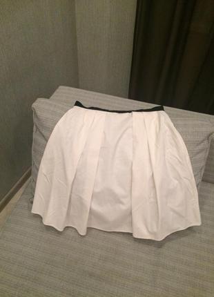 Белая юбка в складку