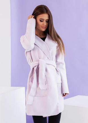 Кардиган с поясом и накладными карманами, без пуговиц, ткань вяленая шерсть.