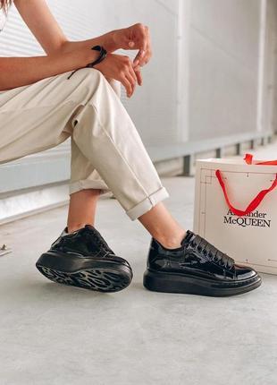 Alexander mcqueen лакированные женские кроссовки маквин черного цвета (36-40)💜