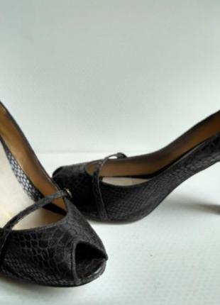 Туфли р.41 на высоком каблуке