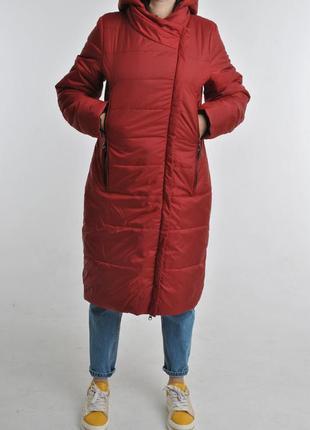 Утепленный плащ пальто на холодный сезон с карманами и капюшоном