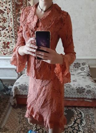 Костюм женский блуза и юбка