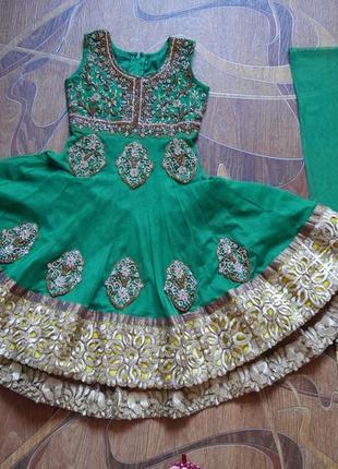 Детский индийский восточный костюм. 5-7 лет. сари.