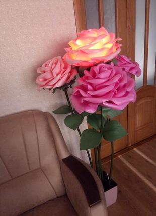 Торшер, ростовые цветы, светильник